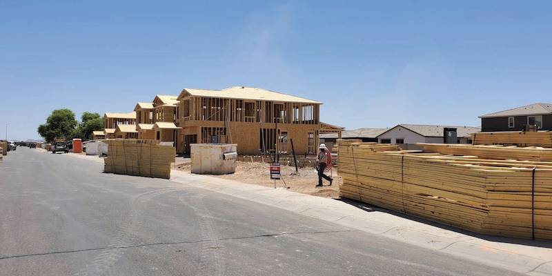 A Peek Over The Fence: Maricopa is Building a Bright Future (Volume 8)